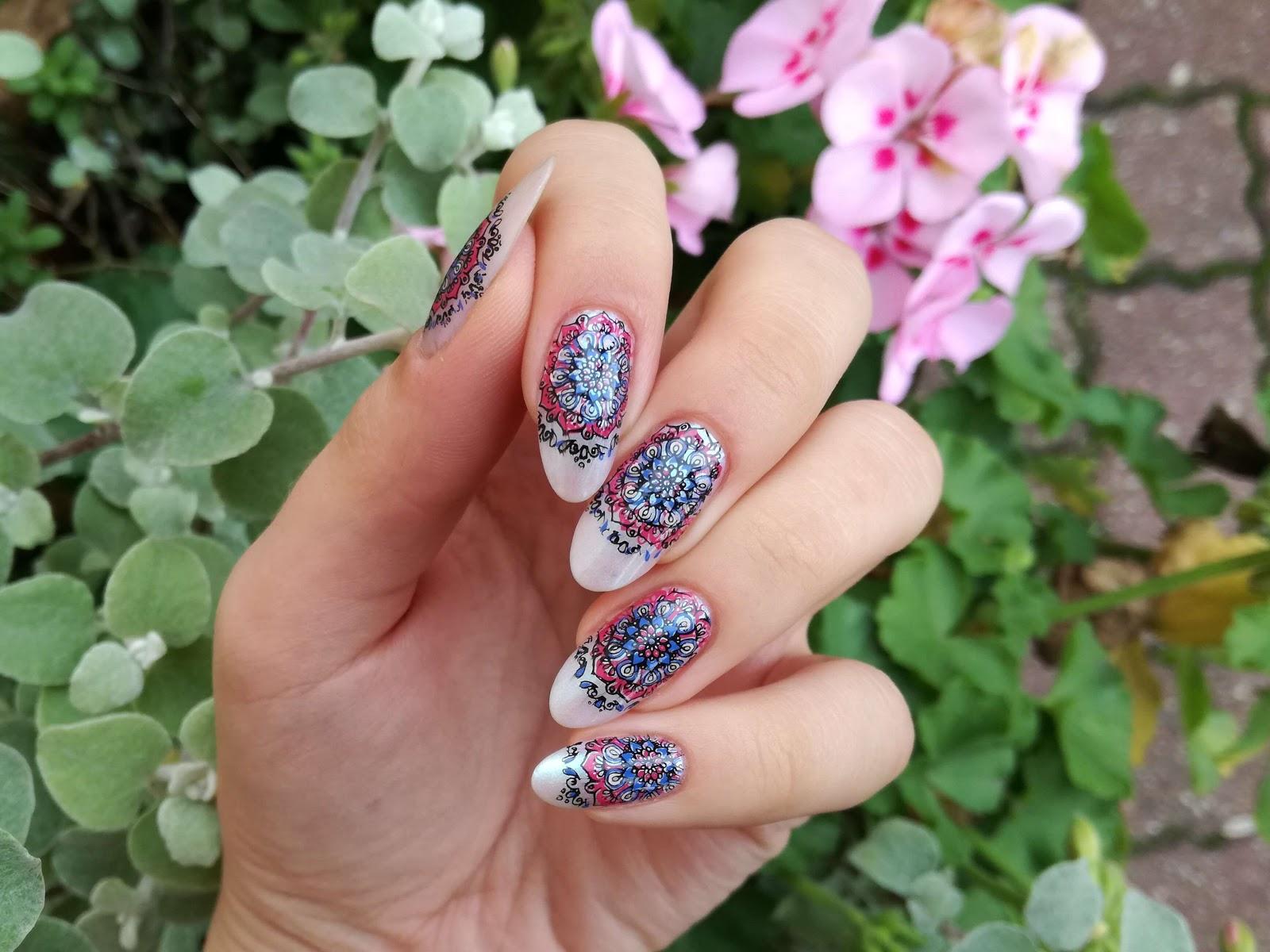 stemplowe zdobienie paznokci