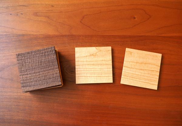 チェリー、ウォルナット無垢の木のコースター