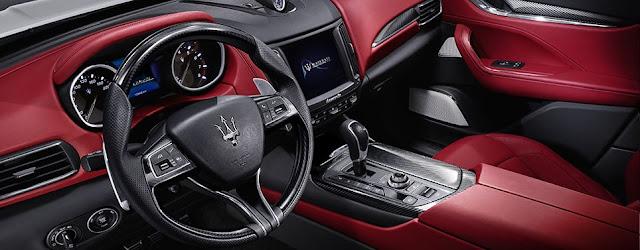 Maserati Levante S interni