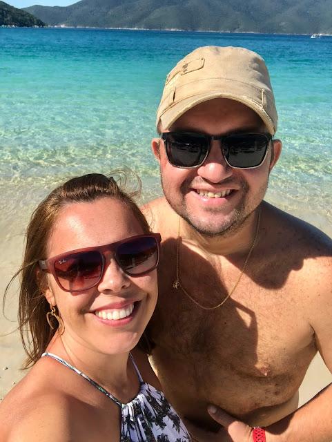 Conhecer a Praia do Forno pela trilha ou táxi boat?