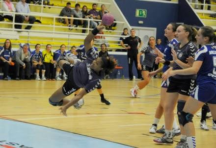 Pivote dominicana máxima goleadora en España   Mundo Handball