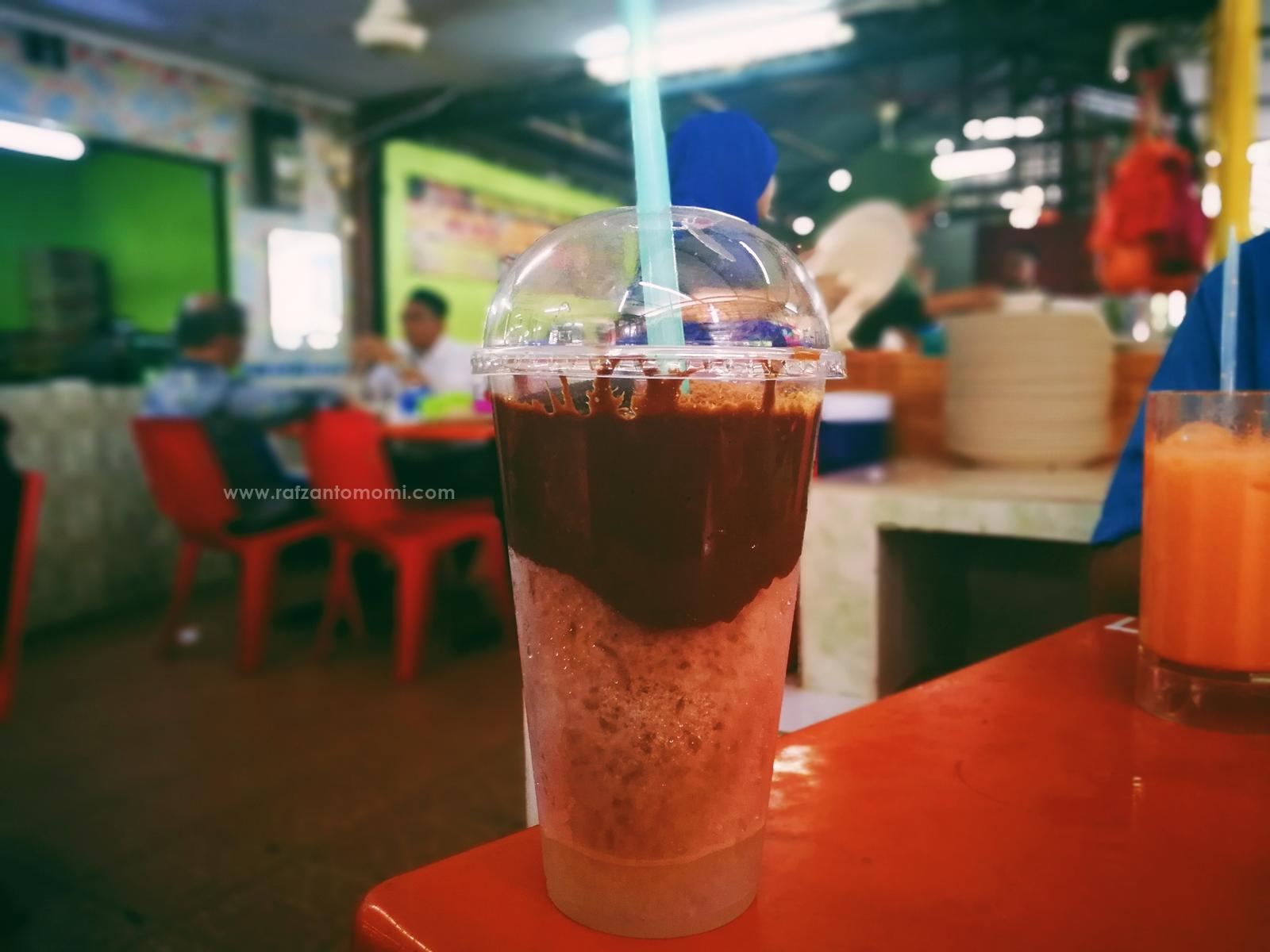 Ais Kepal Milo Viral Di Pak Ayop Tip Top Corner, Pantai Dalam