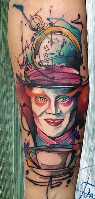 """Tatuaje de Alicia en el País de las Maravillas : """"El Sombrerero"""" interpretado por Johnny Depp"""