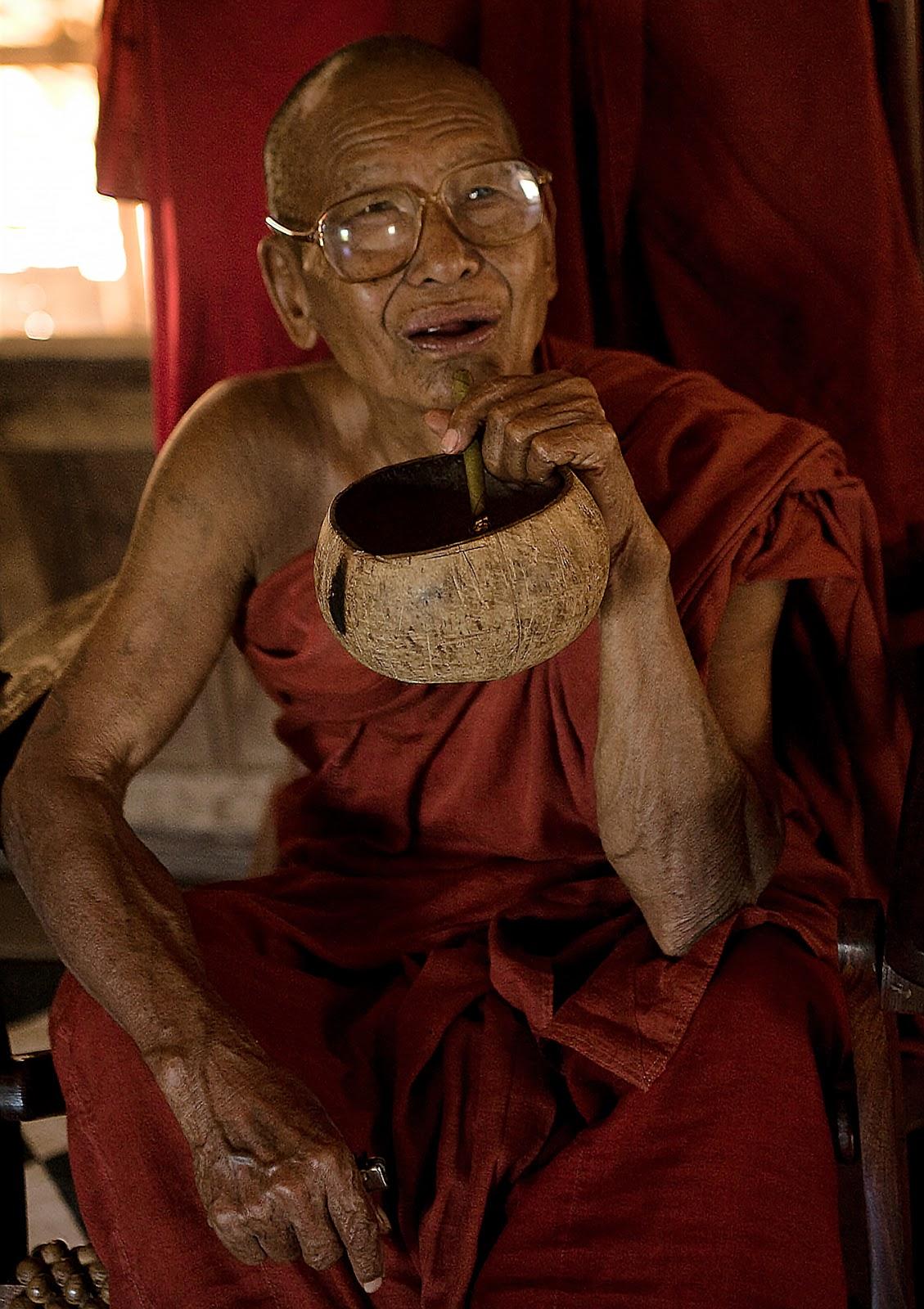 mnich,staruszek,birma,bagan