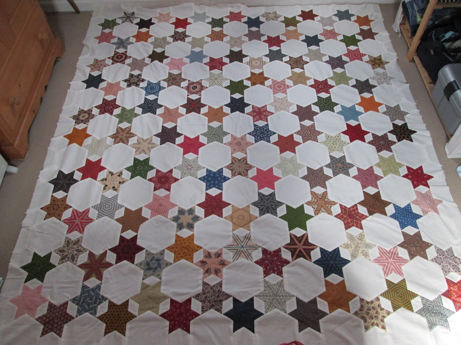 Jersey quilter la passacaglia millefiori quilt tessellations la passacaglia millefiori quilt tessellations vintage stars dailygadgetfo Images