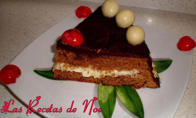 Tarta de chocolates y nata