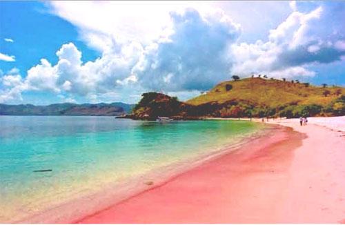 Pantai 3 warna Malang