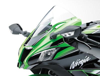 2016 Kawasaki Ninja ZX-10R close up shot