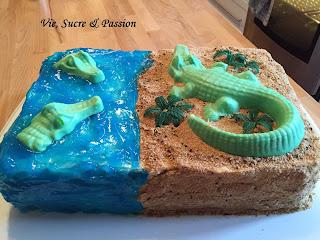 Crocodile/Alligator Beach Cake