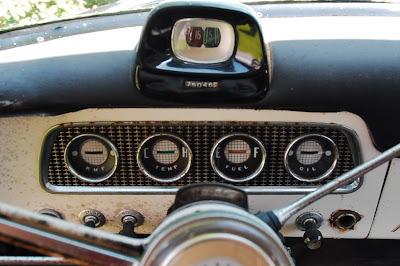 OLD PARKED CARS 1956 Studebaker President