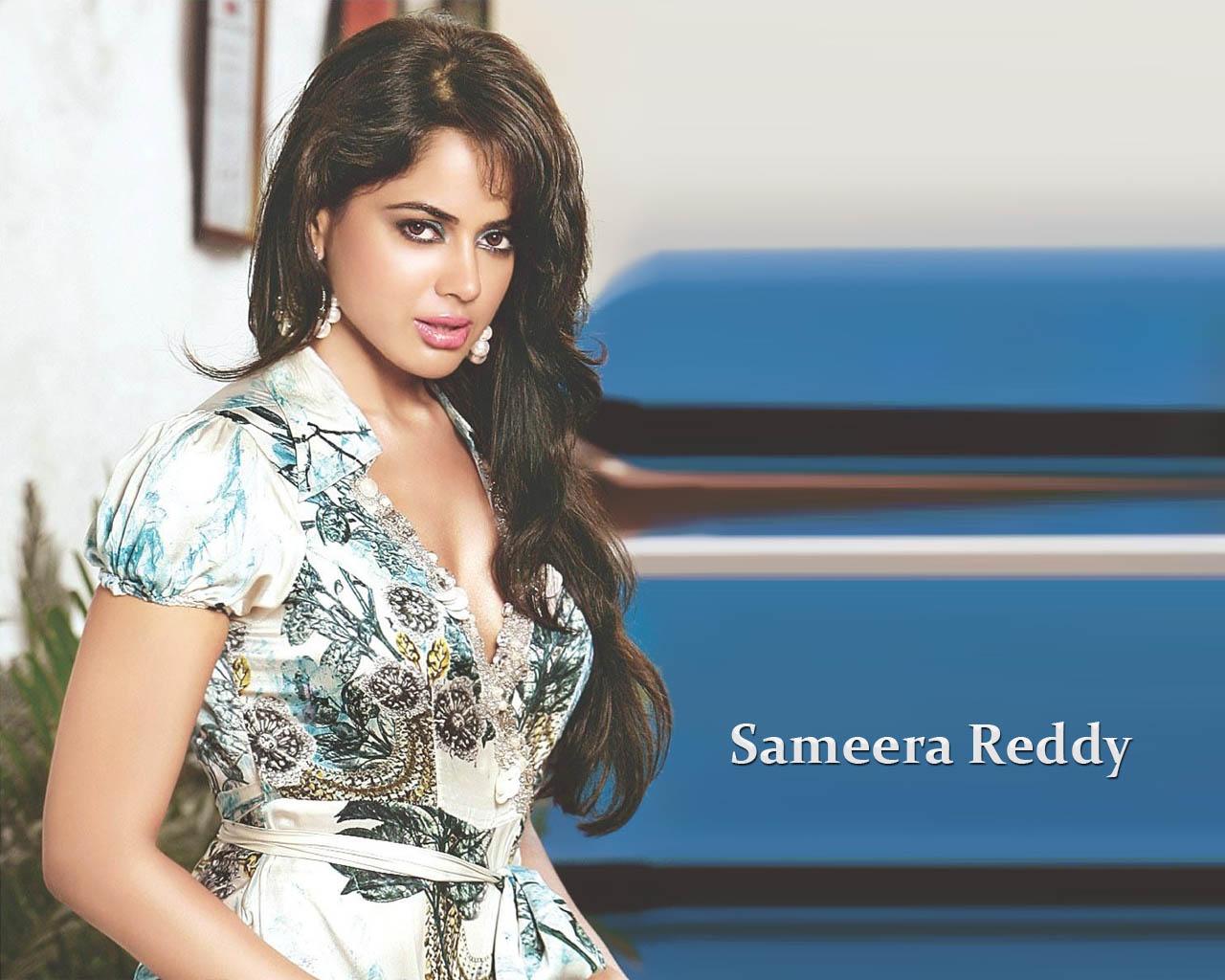 Sameera Reddy Bollywood Actress Wallpapers-4809