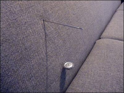 colocando botao no sofa