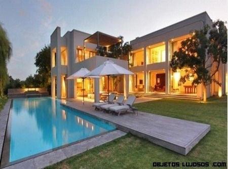 Las casas mas hermosa del mundo for Fotos de casas grandes con piscina