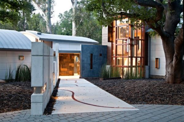 บ้าน 2 ชั้น Modern Creek House Style โซนสวนหน้าบ้าน
