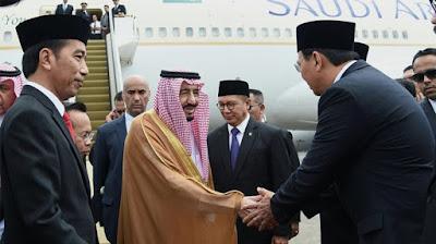 """Memalukan, Jokowi Gandeng Terdakwa Penista Agama Sambut Penjaga Kabah"""