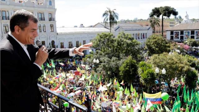 """Ecuatorianos marchan en defensa de la """"década ganada"""" con Correa"""