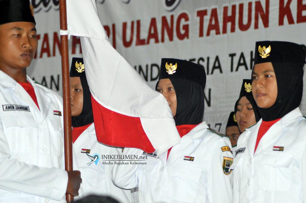 Bupati Kebumen Kukuhkan 47 Pasukan Pengibar Bendera Kabupaten Kebumen