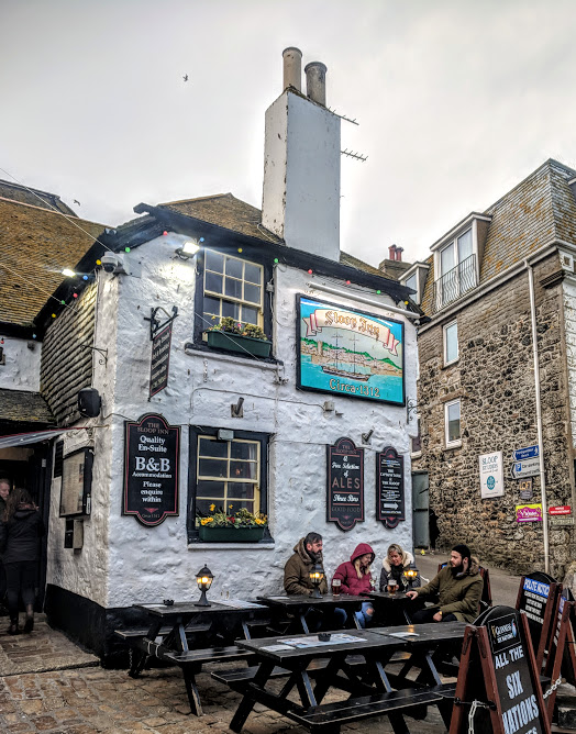 How to spend an evening in St Ives with kids  - sloop inn pub beer garden