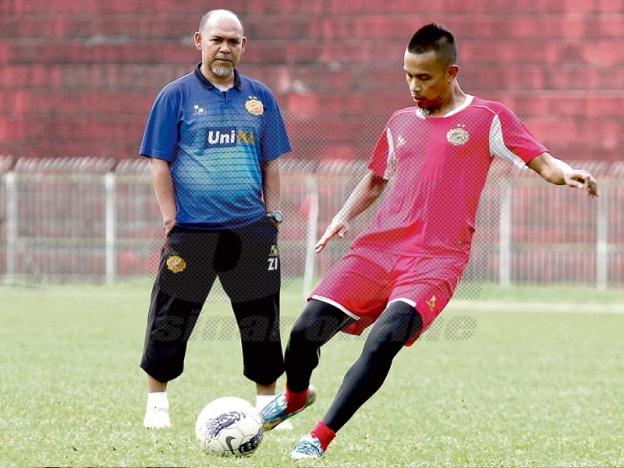 Zahasmi Ismail Jurulatih Baru Kelantan 2017