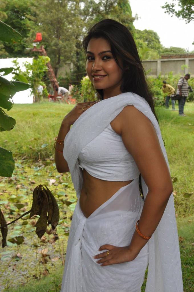 Hot indian wife reenu naked in bathroom before shower 2