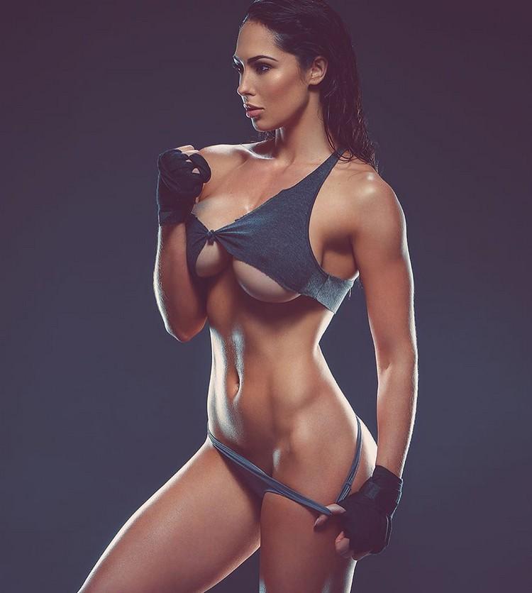 fitness model Hope Beel 0001
