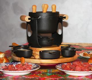 http://www.frittomistoblog.it/2015/02/la-fondue-bourguignonne-e-le-sue-salse.html