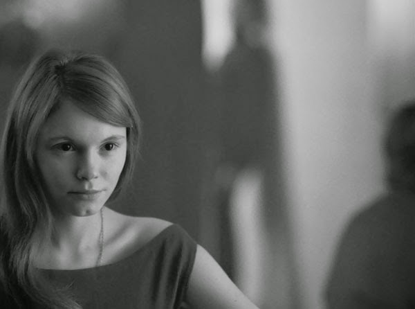 Agata Trzebuchowska's Anna discovers the wonders of jazz in Ida.