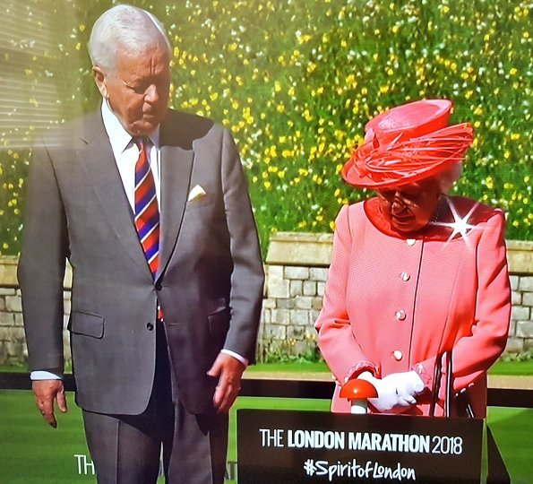 Queen Elizabeth II pressed the start button to commence the 2018 London Marathon this morning in Blackheath