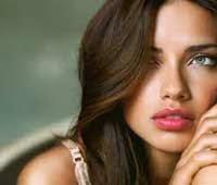 Model Terpanas Dunia Adriana Lima