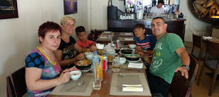 Primer comida en Vietnam.