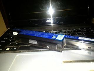 Pengalaman Memperbaiki Baterai Laptop Dengan Mendinginkanya dalam Kulkas