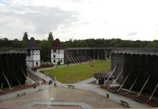 Градирни в Иновроцлаве построены специально для курорта в форме шестиугольника