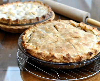 Elsah Landing Grape & Green Apple Pie, a variation of American Apple Pie.