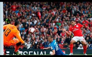 Sálvio em acção no Benfica vs Arsenal