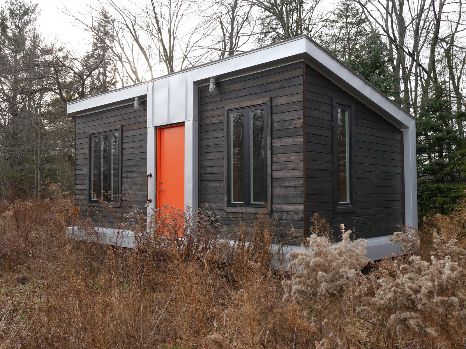 """Modern Tiny House: Relaxshacks.com: A GREAT Tiny House Modern Kitchen In """"The"""
