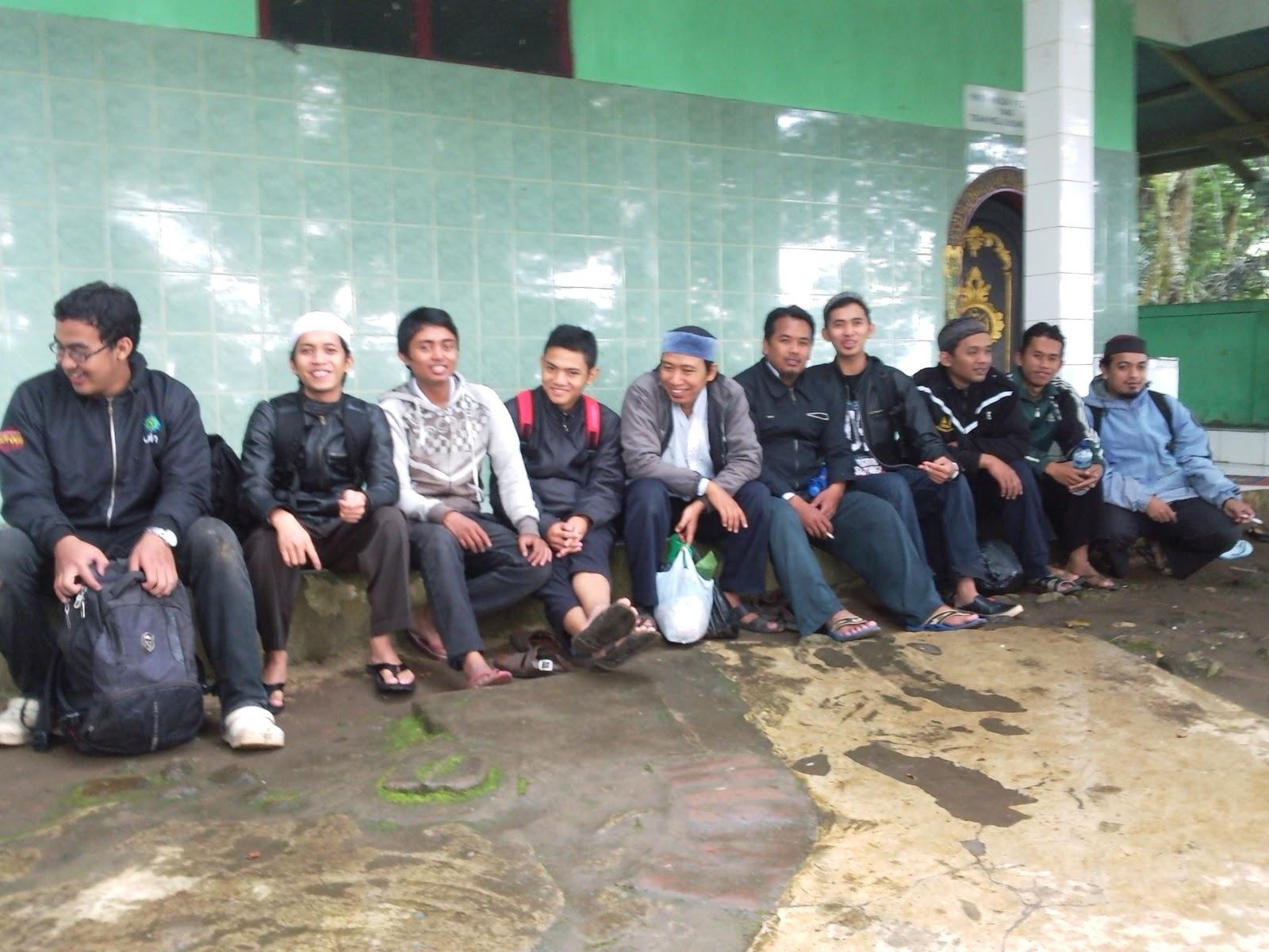 Ziarah Para Wali - Makam Raden Kian Santang Sepenggal ...