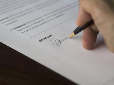 4 Perbedaan Karyawan Kontrak dengan Karyawan Tetap