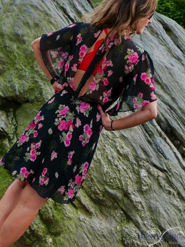 hunterchic by marta-marta halcon de villavicaencio-fashion blog españa-influencer-como combinar un vestido y zapatillas