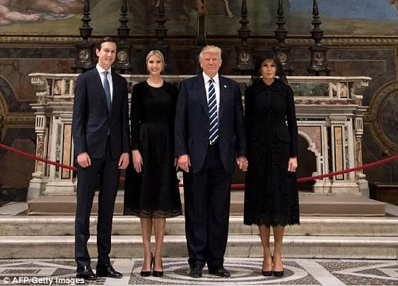(Photos) Melania finally holds Donald Trump's hand during visit to Sistine Chapel in Italy