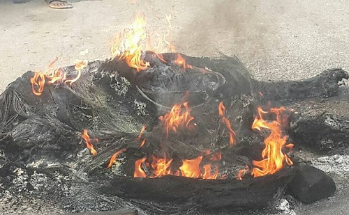 Angry Mob Burn 2 Armed Robbers To Death In Calaba; See Photos