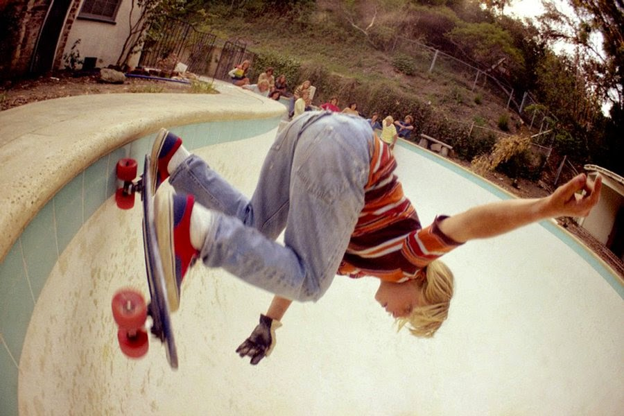 22 Vintage Pictures That Capture Young Skateboarders In