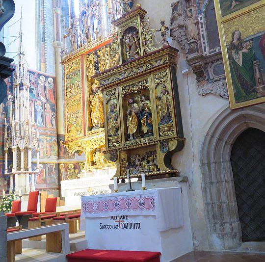 Ołtarz św. Janów.