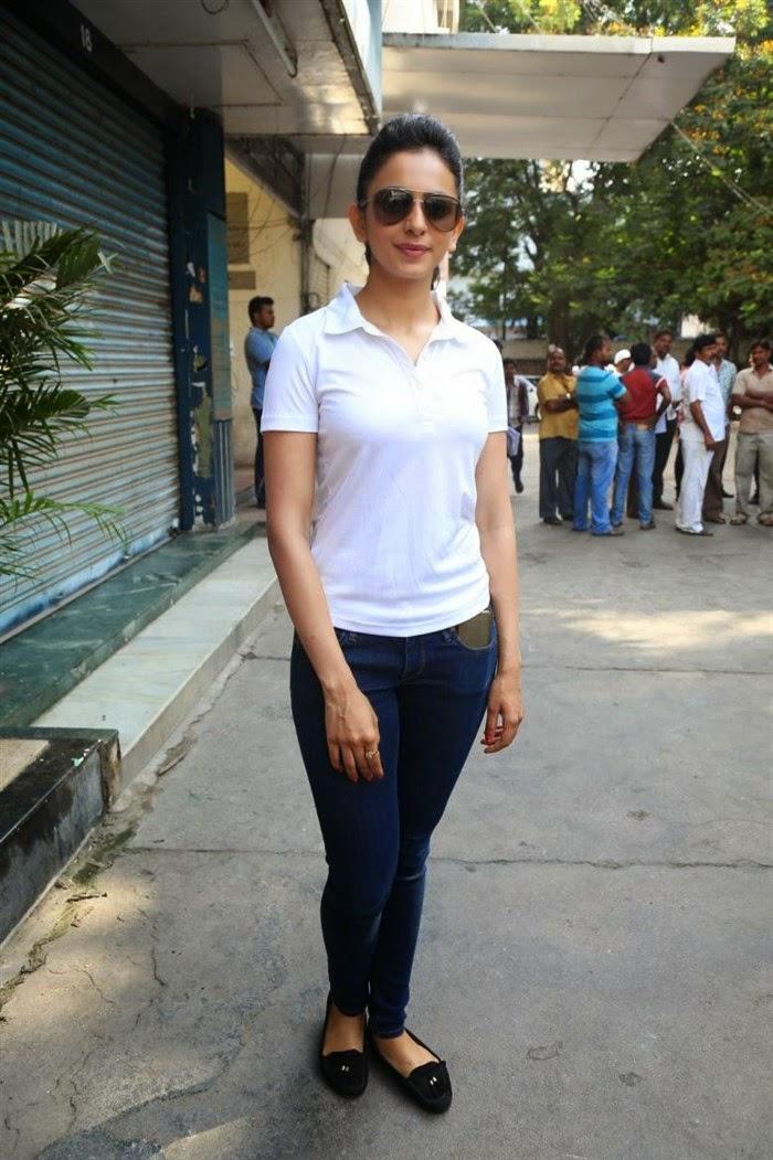 Rakul Preet Singh In White T Shirt at TFI Swachh Bharat Campaign
