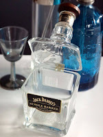 manualidad con botella de vidrio reciclada