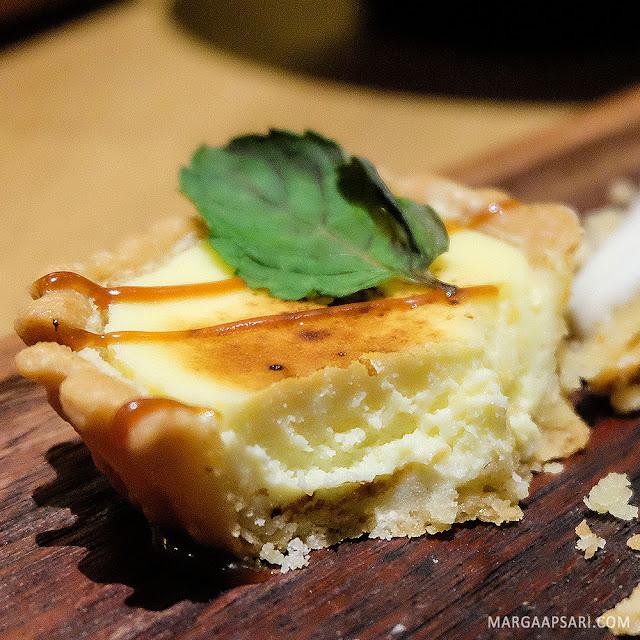 Osaka Cheese Tart Gyoza Bar Summarecon Mal Serpong, Tangerang