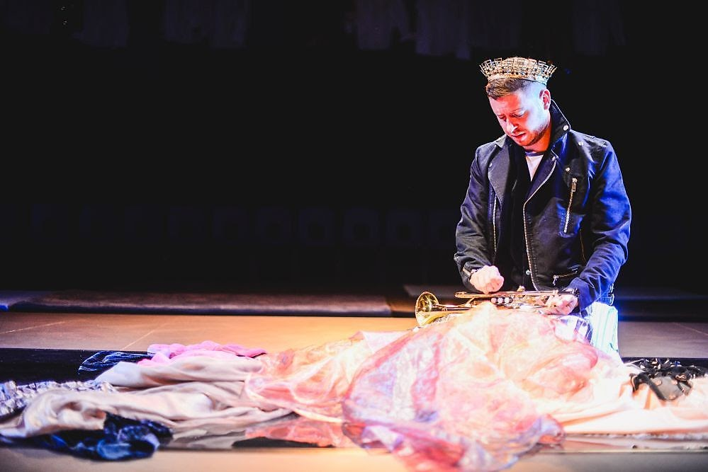 , Theatre Iolo's The Emperor's New Clothes, Sherman Theatre, Cardiff #review