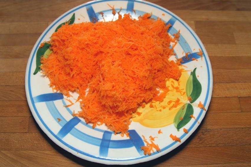 Przepis na pyszne włoskie ciasto marchewkowe.