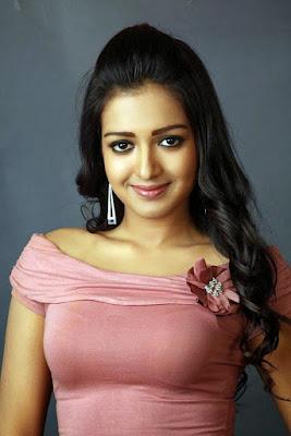 Telugu Film Actress Catherine Tresa Cute Look Image