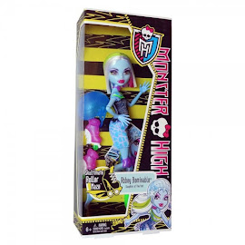 MH Skultimate Roller Maze Abbey Bominable Doll