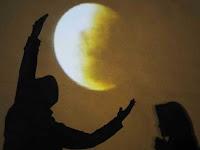 Lafal Niat, Doa dan Tata Cara Lengkap Sholat Gerhana Bulan